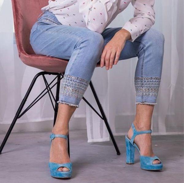 RED BUTTEN SRB2369 7/8 Jeans mit tollen Stick Applikationen an Tasche und Beinabschluss